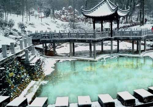 安徽省石莲洞国家森林公园原为宿松县林场,1992年国家林业部批准为