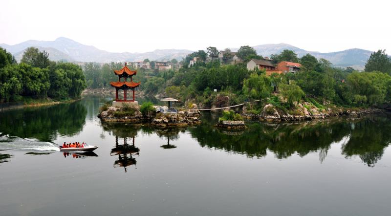 万泉湖风景区